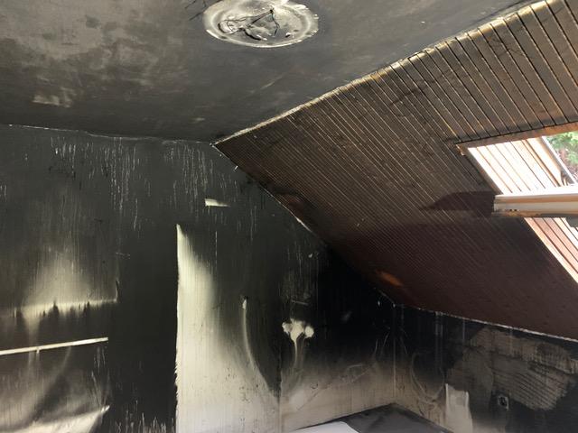 Tűzkár utáni kormot takarítottunk egy családi házban.